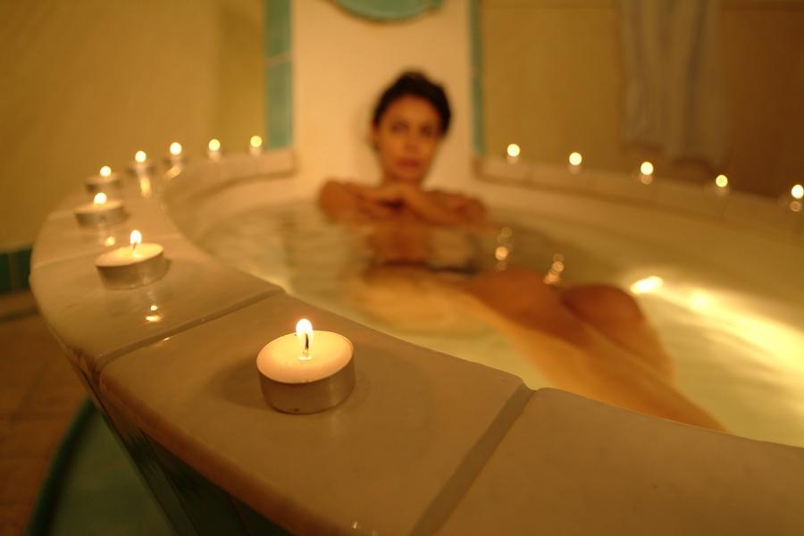 Baño con ropa interior